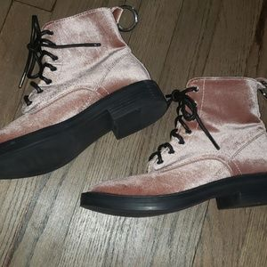 Dolce Vita Bardot Mauve Velvet Lace Up Boots